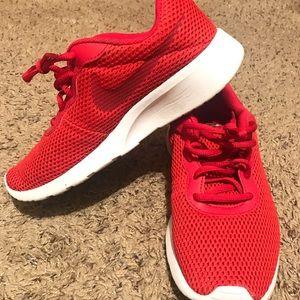 Nike 5y red